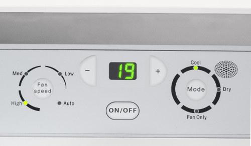 mobilní klimatizace do paneláku Trotec PAC 2600 E s těsněním Airlock 100 - detail na ovládací panel, LED displej